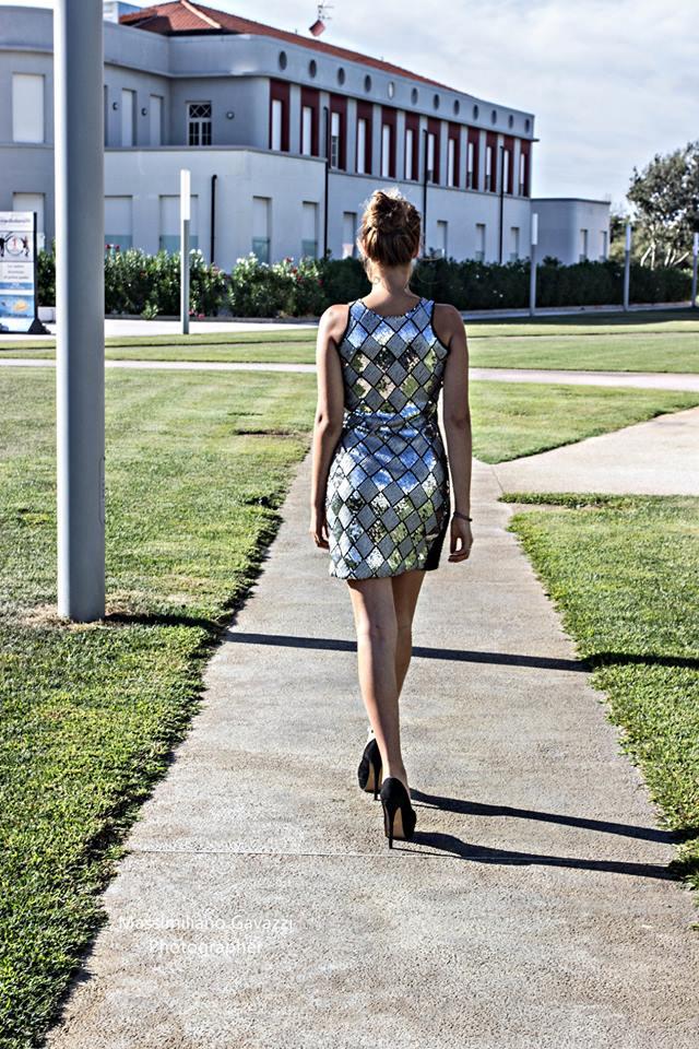 vestito-con-paillettes-argento