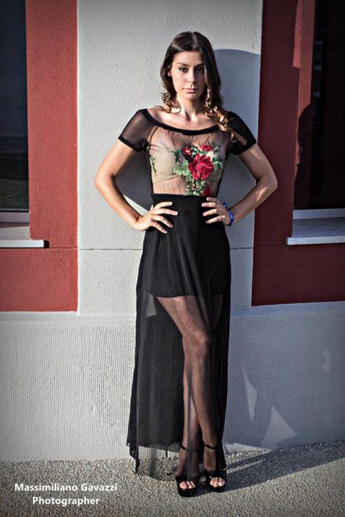 vestito-nero-ricamato